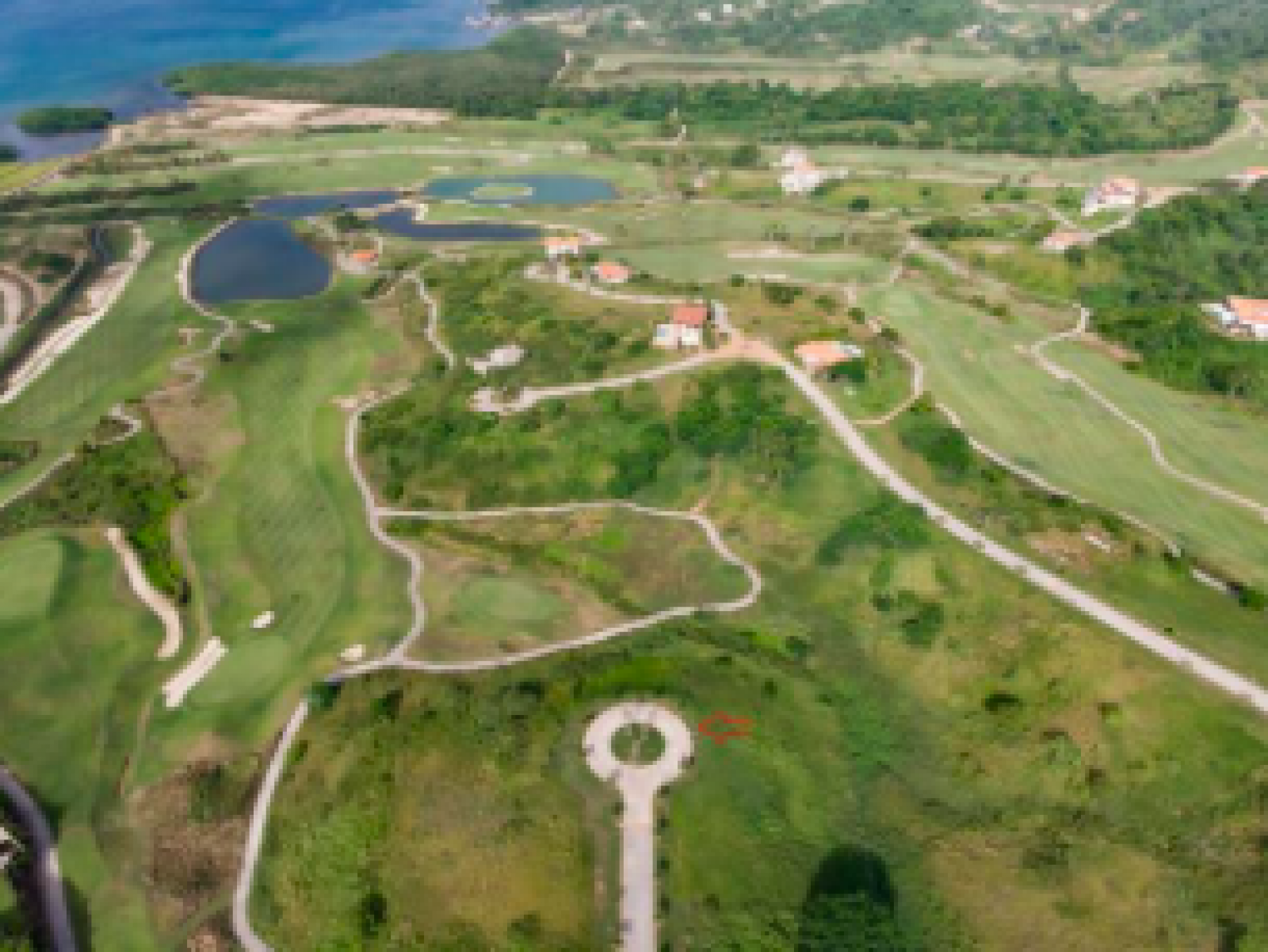 Homesite Golf course Bargain priced World Golf Hall of Fame\', Pete Dye Finest golf course in Central America, South America and much of the Caribbean. Restaurants, beach, swimming pools, tennis courts, concrete roadways, Underground utilities