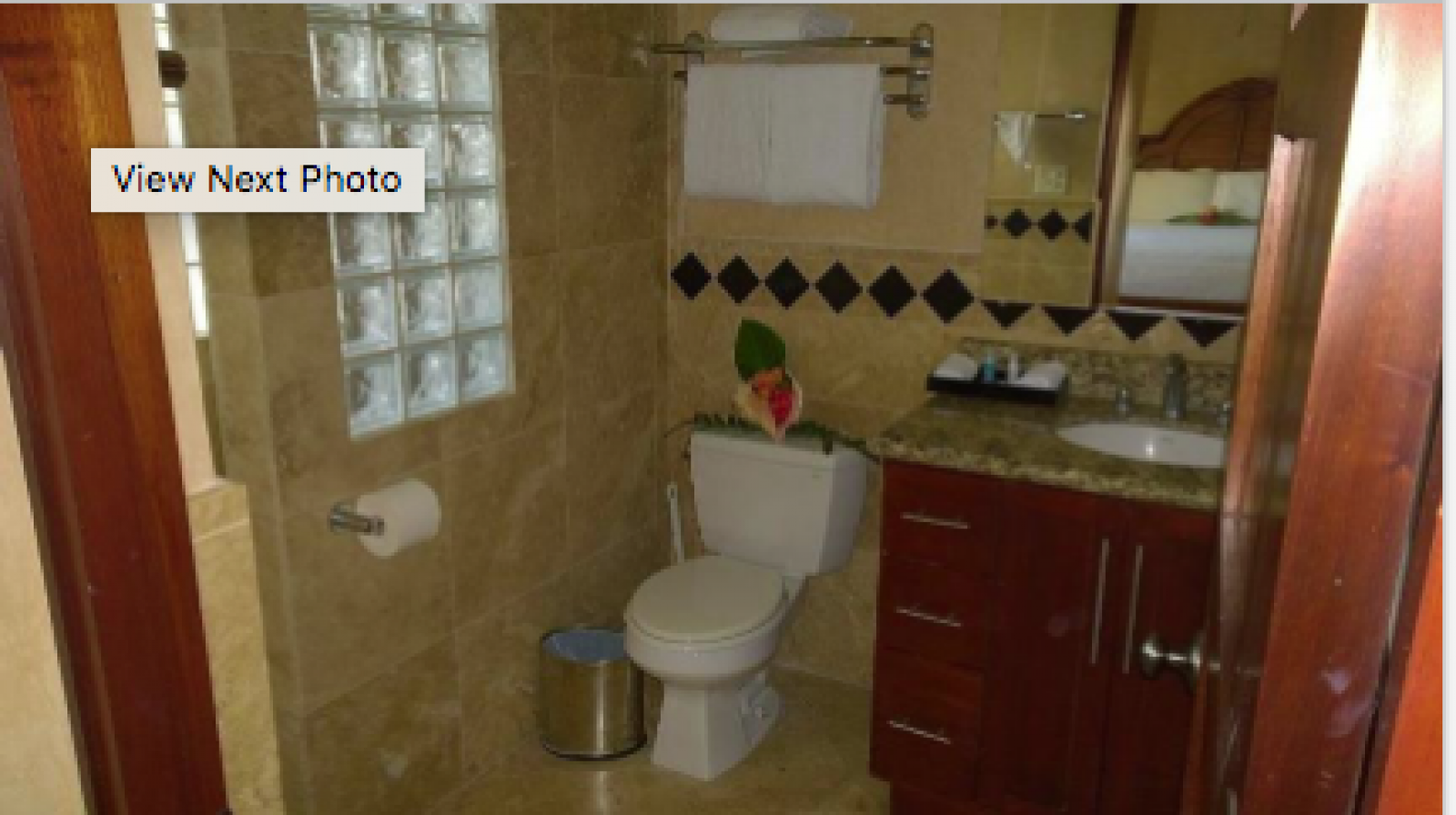 Beautifully decorative and spacious ensuite bathroom.