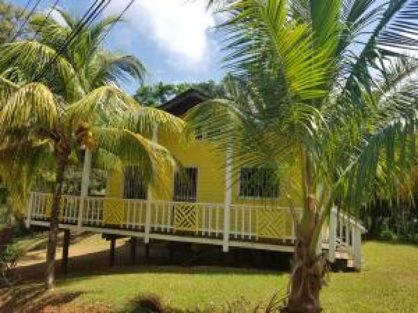 Charming House Large Lot Land Fresh Water Well Water Retirement Priced to sell