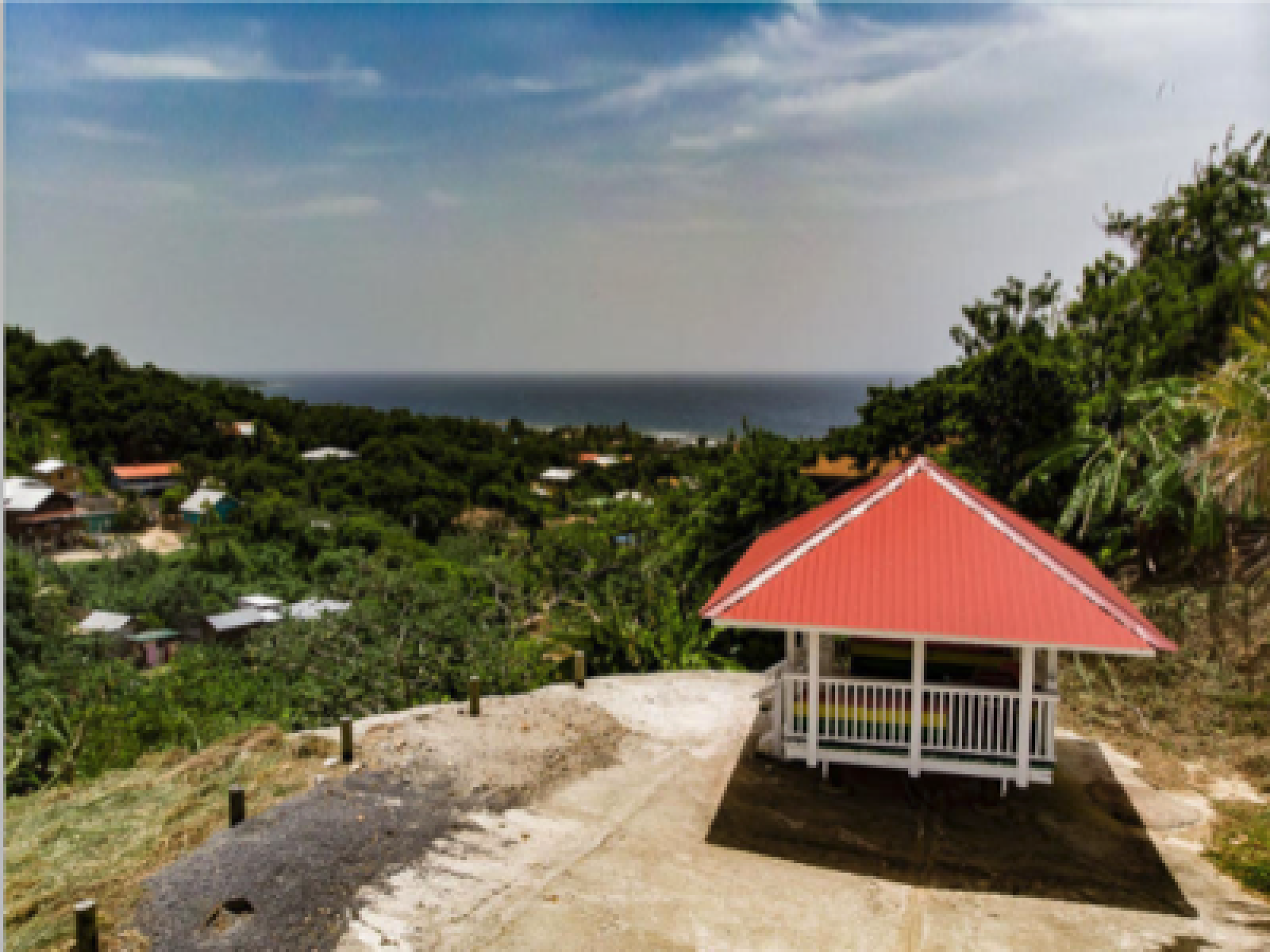 Ocean Views Hilltop 4 Bedrooms 2 separate units Rental Potential Decks