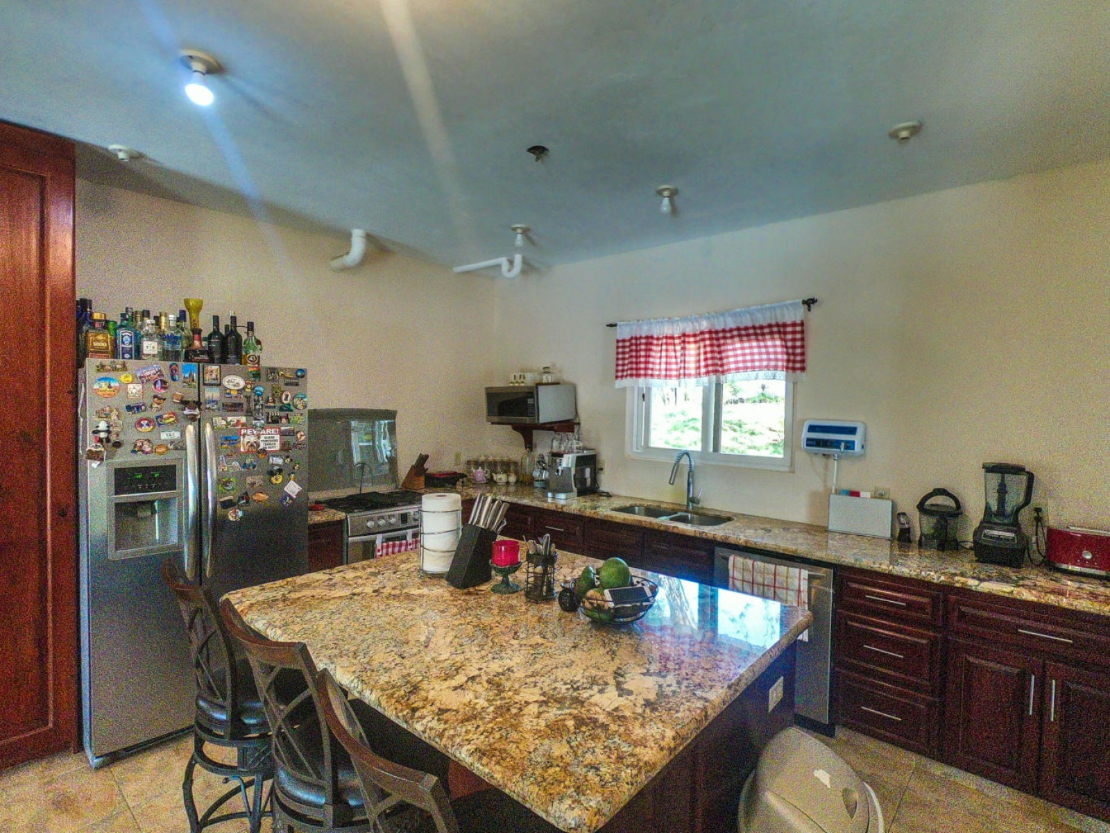 Space for expansion located in the heart of sandy bay minutes away from great amenities warm cozy home Big kitchen